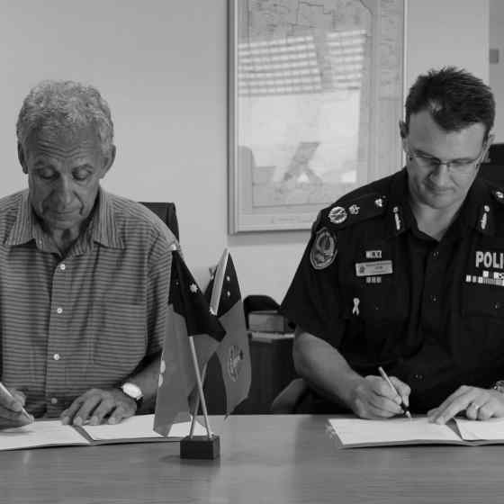 NO MORE Campaign Founder Charlie King and NT Police Force Commissioner Reece Kershaw sign an MoU to formalise the existing partnership between the two organisations.